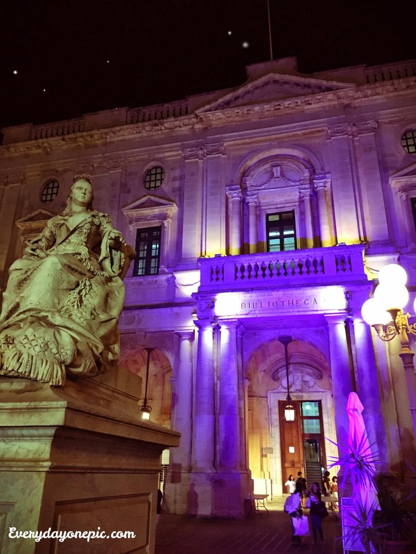 Les jolies éclairages de la bibliothèque de La Valette